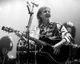 Paul MacCartney2 SECC Glasgow 1990 B&W mod 3.jpg